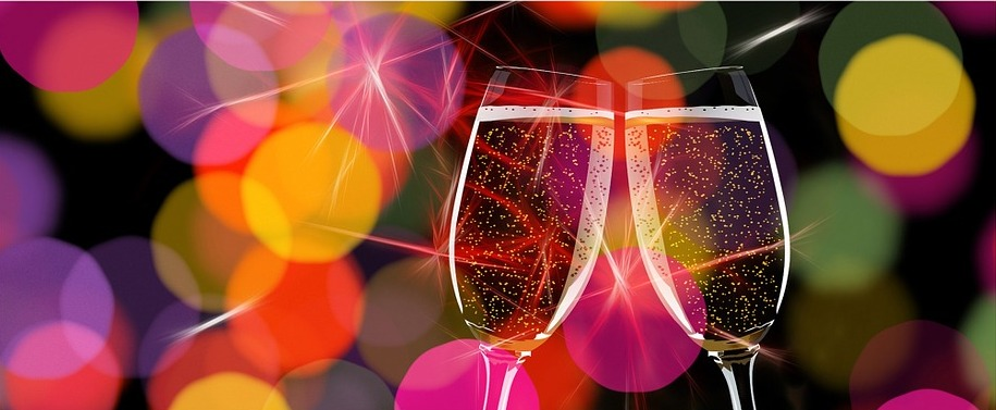 champagne-glasses-162801_960_720