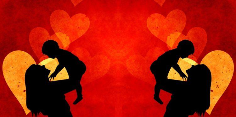 Dlaczego kobiety idealizują swoje macierzyństwo