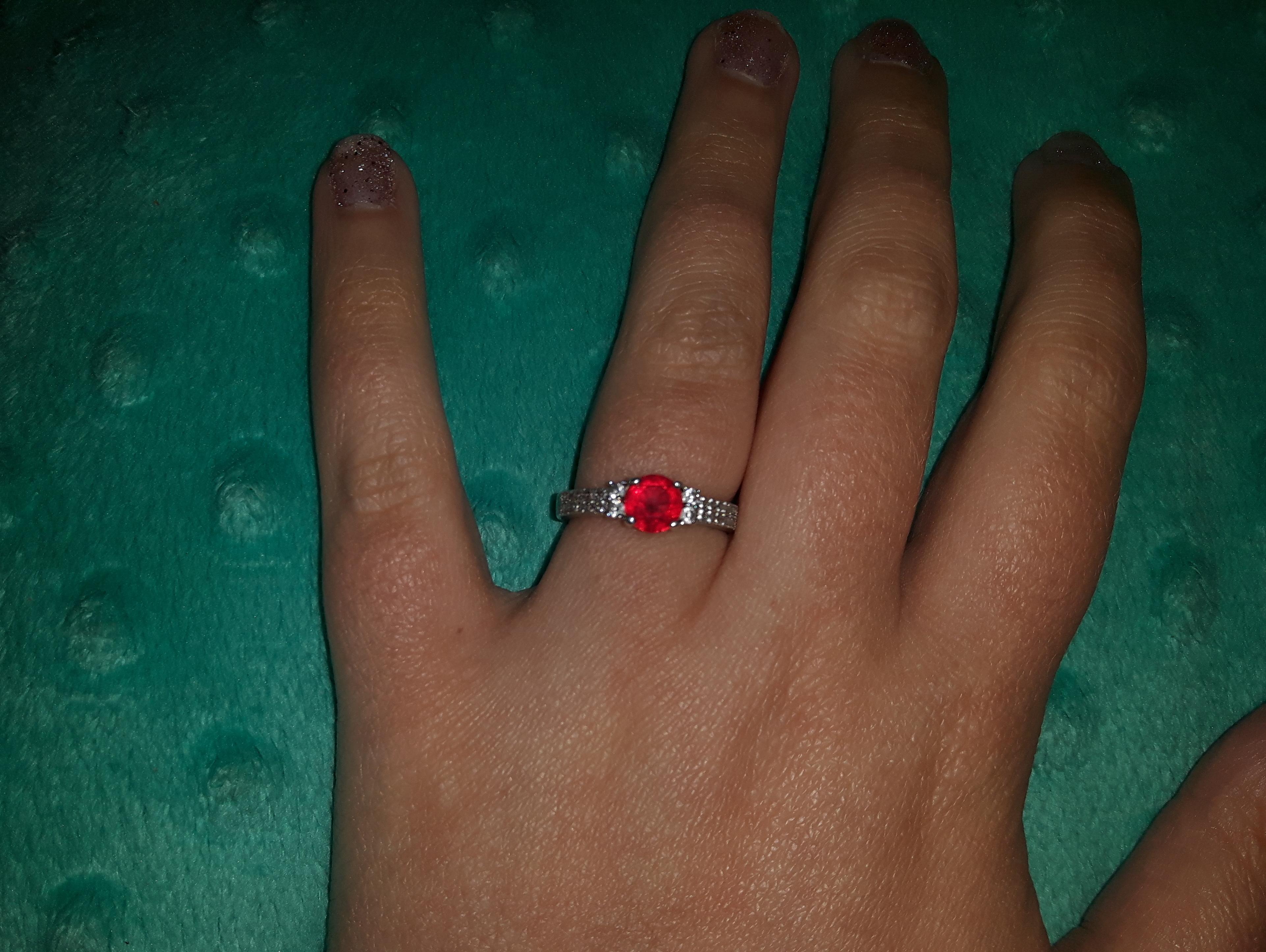 Historia pewnego pierścionka